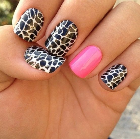 Hot pink accent nail.