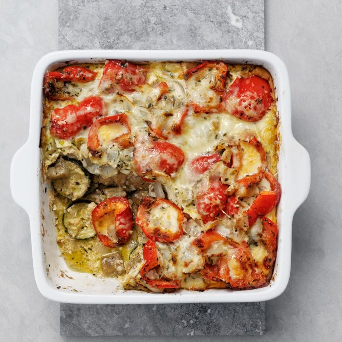 Kräuterig und mit zartem Knoblaucharoma ist dieser  provenzalischer Gemüseauflauf im Sommer eine leckere Beilage zu Fisch oder Fleisch, aber auch ein vollwertiges vegetarisches Gericht.