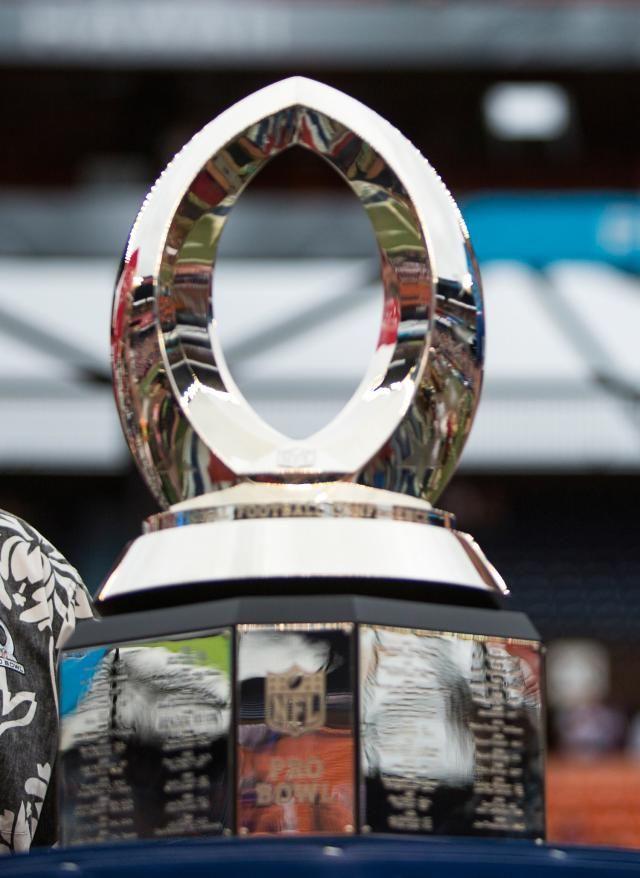 One Week Before Super Bowl, It's  Pro Bowl 2015: NFL Pro Bowl Trophy