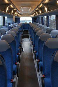 wygodne fotele dla pasażerów podruzujących autokarem neoplan