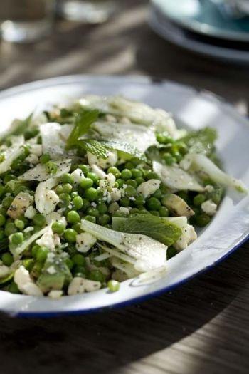 Fennel, Pea and Poppy Seed Salad recipe on www.nomu.co.za