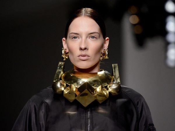 lo mejor del quinto día de la Semana de la Moda en Londres temporada otoño-invierno 2014. Los diseñadores que participaron de la quinta jornada fueron: KTZ, Fashion East,  Anya Hindmarch, Osman y Simone Rocha.
