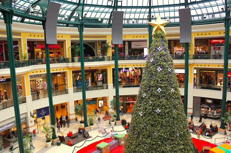 Dec 19, 2012. Last day in Portugal. Using the time for some shopping at Columbus Mall in Lisbon.