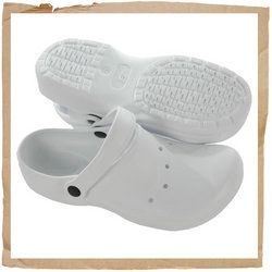 Skechers Ruffle Clog White Skechers - Ruffle clog Backless slide on style Moulded plastic upper Ventilated openings http://www.comparestoreprices.co.uk/sports-shoes/skechers-ruffle-clog-white.asp