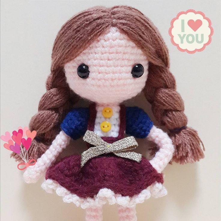Su-a 클로즈업 . . . . #crochet#amigurumi#뜨개질#haken#cotton#by_me#knitting#kawaii#craft#yarn#iloveit#코바늘#ganchillo#handcraft#pattern#madebyme#adorable#custom#취미#crochetdoll#코바늘인형#sua#귀요미#핸드메이드#instacrochet#crocheting#toy#amigurumidoll#dollstagram#あみぐるみ