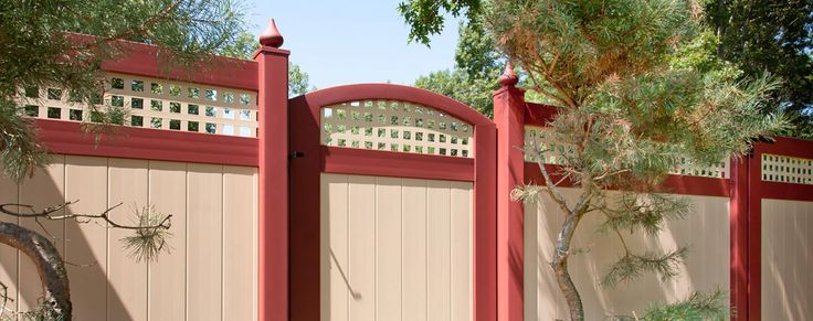 Looking for a quick trick to impress your guests? How Simply Adding Accent Gates Can Make Your Good Fence Install Look Great. Illusions Vinyl Fence.