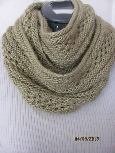 Ravelry: Aphelion Cowl pattern by Charlisa Anderson Share the best FREE pat...