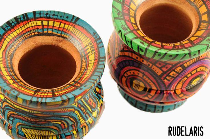 mates de madera pintados a mano.carlanavarro para rudelaris™