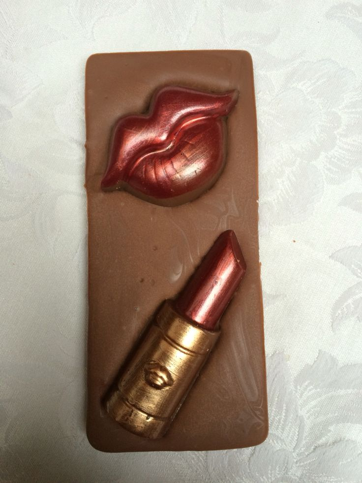 Chocolate Lips and lipstick chocolate bar from Chocandroll on Facebook