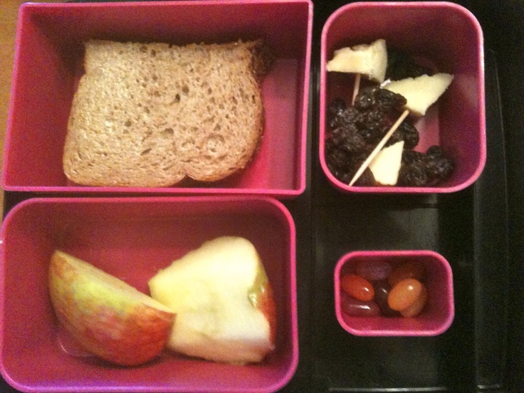 Fast, fresh, and fabulous ideas for making this your kids healthiest school lunch year ever!!!  via Healthnut Foodie: Easy Back-to-School Lunch IdeasEasy Lunches, Creative Ideas, Kids Lunches, Easy Back To Schools, Back To Schools Lunches, Lunchbox Ideas, Lunches Ideas, School Lunches, Schools Kids