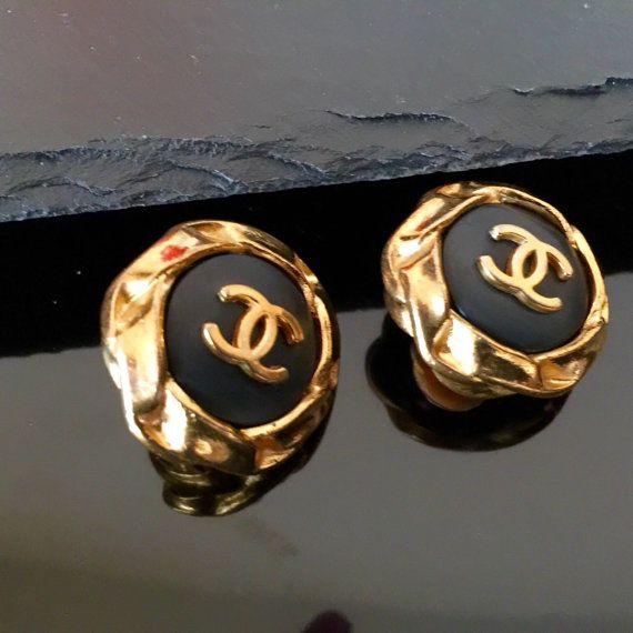 Chanel earrings CC Vintage Chanel black Earrings CC by NUKOBRANDS