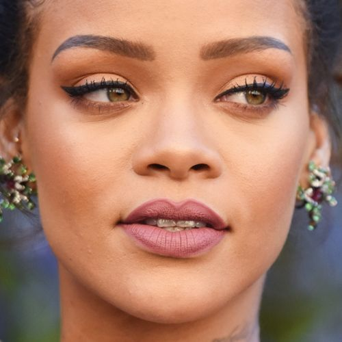 Rihanna's Makeup Photos & Products | Steal Her Style