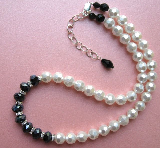 Black and White Necklace. $24.00.  Beautiful!  http://www.etsy.com/listing/126025534/black-and-white-necklace?#