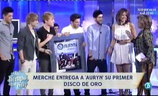 Primer disco de Oro para el grupo musical Auryn  http://www.telecinco.es/quetiempotanfeliz/Primer-Disco-Oro-Auryn_2_1602855061.html