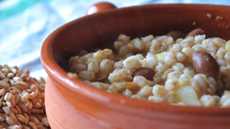 Come preparare Zuppa di farro e fagioli col Bimby della Vorwerk, impara a preparare deliziosi piatti con le nostre ricette bimby