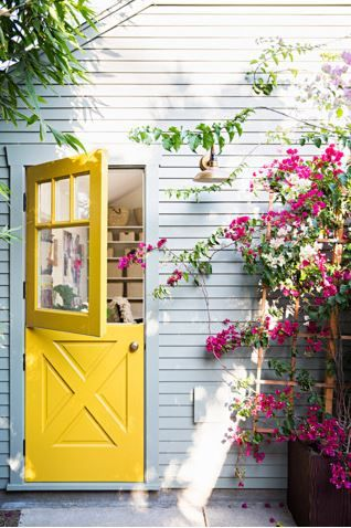 Don't rely on flowers to brighten up your garden! Recreate this bold wall with Dulux Victoria Street.