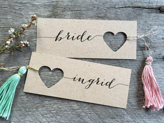 Hey, j'ai trouvé ce super article sur Etsy, chez https://www.etsy.com/fr/listing/177637535/wedding-place-cards-heart-name-tags