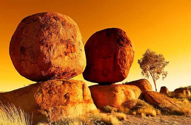 Devil's Marbles North West Territory | http://www.viewretreats.com/kimberley-north-west-wa-luxury-accommodation #travel