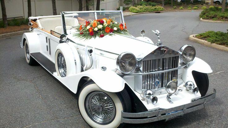 Vintage 1920's Rolls Royce Phantom Limousine. Perfect for any Wedding Day. #wedding_limousine