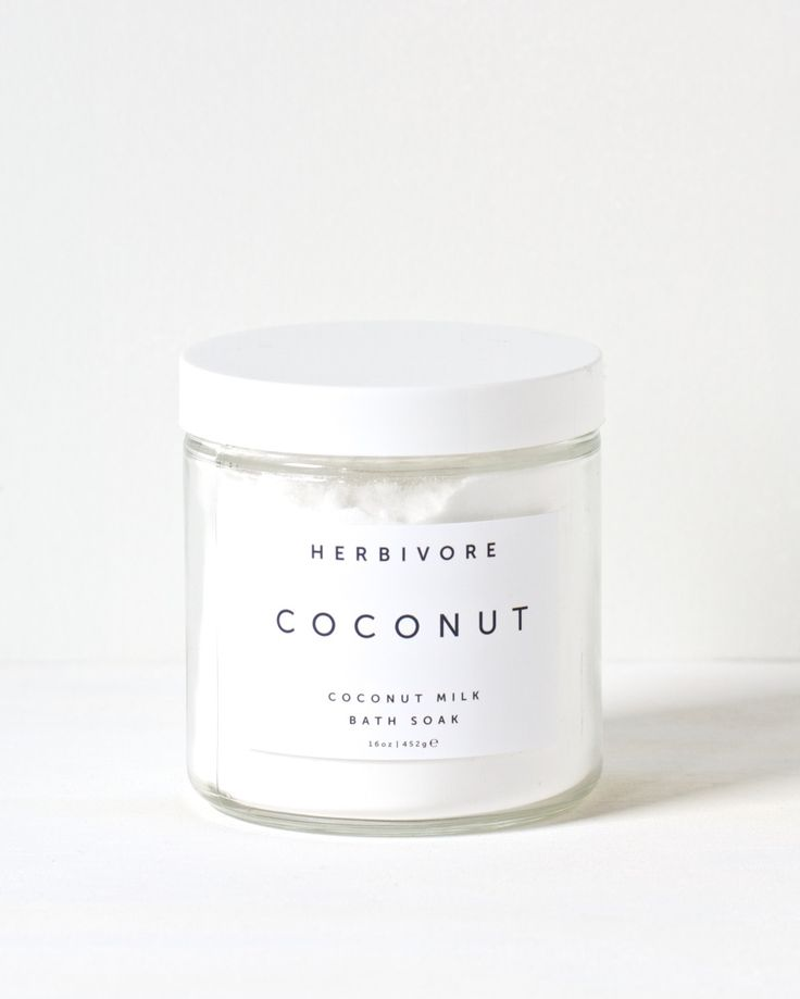 Skin softening organic coconut milk is the basis of this luxurious and indulgent bath soak. Perfect for hydrating and softening skin, this bath soak will leave your skin silky soft and smelling of coc