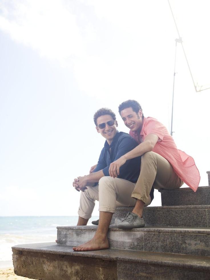 Hank (Mark Feuerstein) and Evan (Paulo Costanzo)