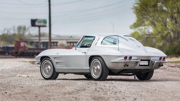 1963 Chevrolet Corvette Split Window Coupe - 3