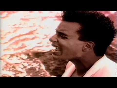 ▶ Jon Secada - Otro Dia Mas Sin Verte : Video Original : HQ - YouTube