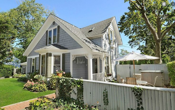 A 39 Carefully Restored 39 Home In Sag Harbor For 850k Home Benjamin Moore And Cape Cod