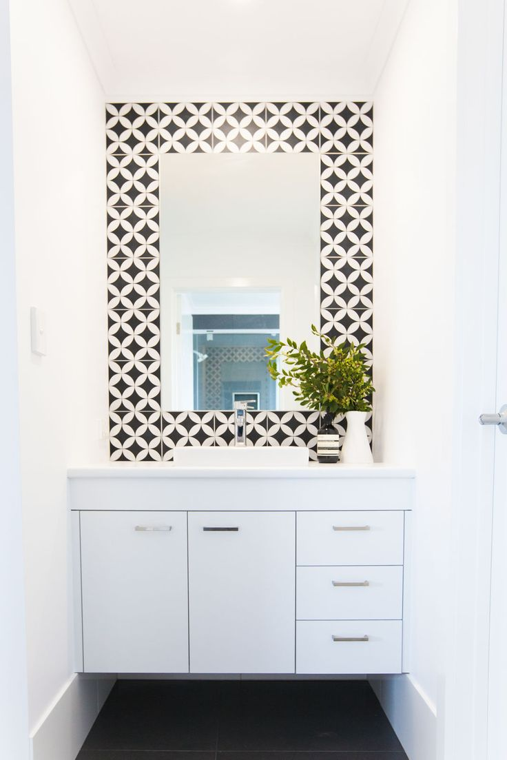 Shepperd Building Company / Fresh + Modern New Home / Vanity / Feature Tiles