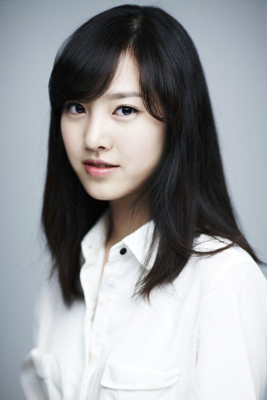 Jin Se Yun 진세연 94 - debut 2010