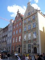 Shedding the stigma that the city is little more than a bunch of battered cranes in a dingy shipyard, Gdansk's Old Town has been scrubbed cl...