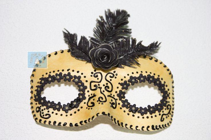 Mardi Gras gumpaste mask