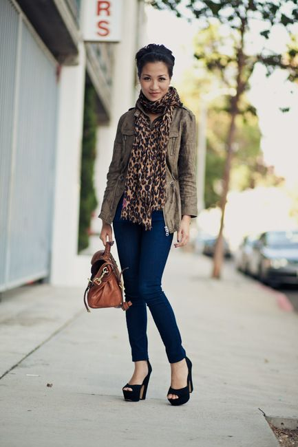 Urban outfit - Love the blue jeans with the leopard scarf!