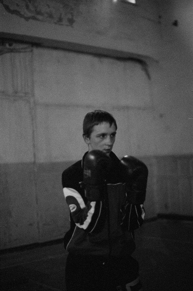 クリスティン・ロチャートの写真展「Boxer」、ボクサーが持つ、無骨さ、自己超越、脆さ、優しさを観る – HITSPAPER