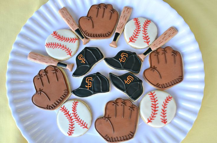 Need something special to send to you favorite baseball fan or team? Let us help with our cookie delivery of fresh-baked shortbread cookies, especially customized for the occasion. Our delicious short