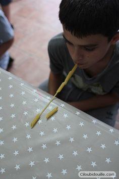 Anniversaire pour adolescents   Ciloubidouille : idées activité enfiler des pâtes sur un spaghetti, sans les mains