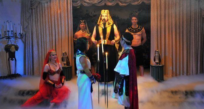 Vegas Wedding: Cleopatra and Marc Anthony!