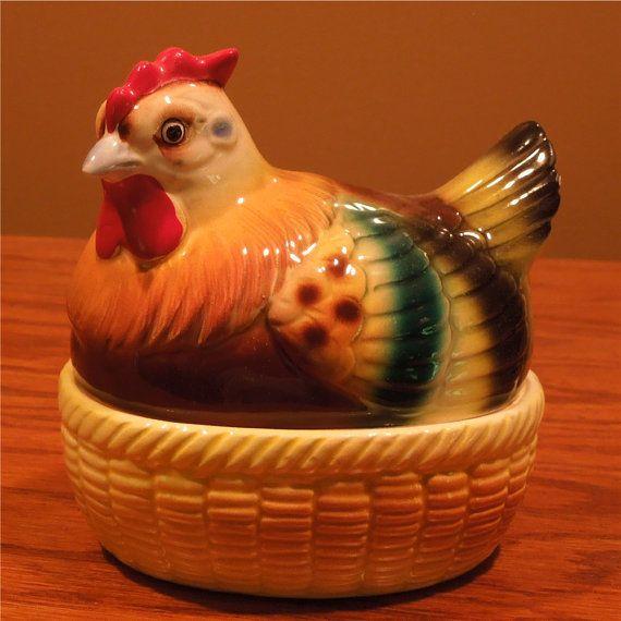 Older Hen Chicken Salt & Pepper Shaker Egg - my sweetie got this for me at a flea market - I love it!