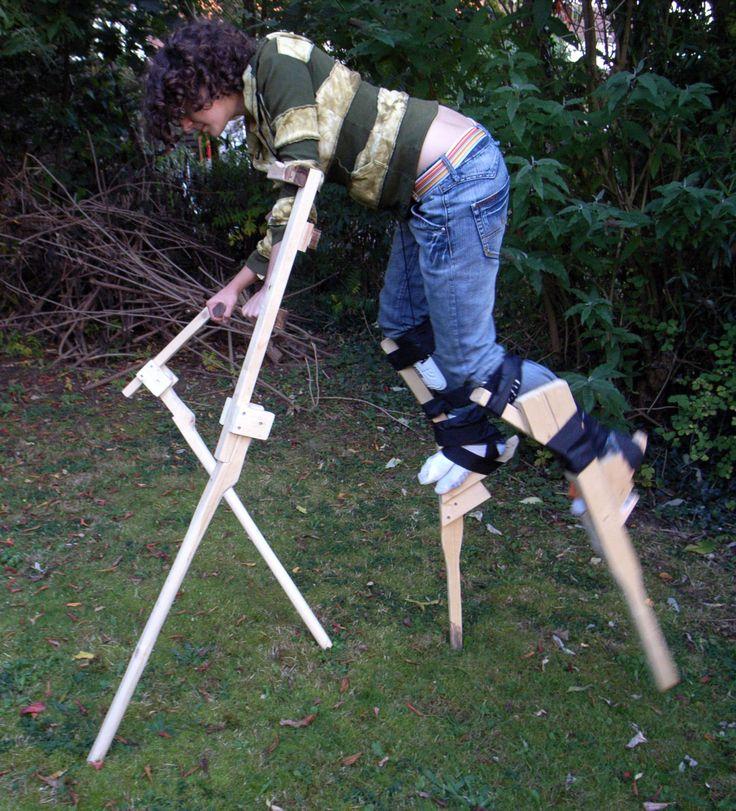 Interesting angle on the feet of this double stilt walker. http://katy.idlecreations.com/stilts.jpg
