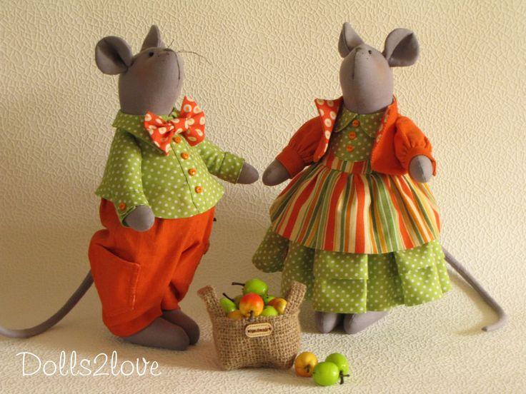 Tilda style mice couple Jim & Jodi made by Dolls2love on Etsy, €130.00.