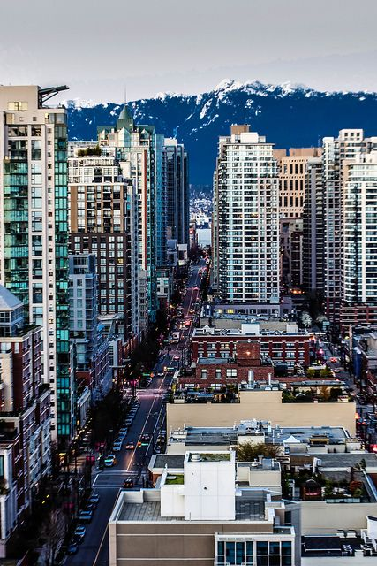 Vancouver, British Columbia, Canada  >>>it looks like Hong Kong!!! but it's Canada!