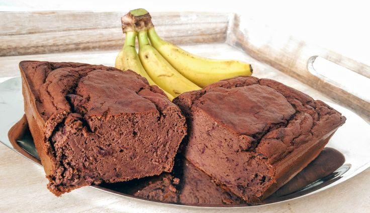 Ein saftiger Kuchen ohne Mehl, Butter und Zucker? Mein sündenfreier Schoko-Bananen-Kuchen ist die perfekte gesunde Nascherei in einer bewussten Ernährung.