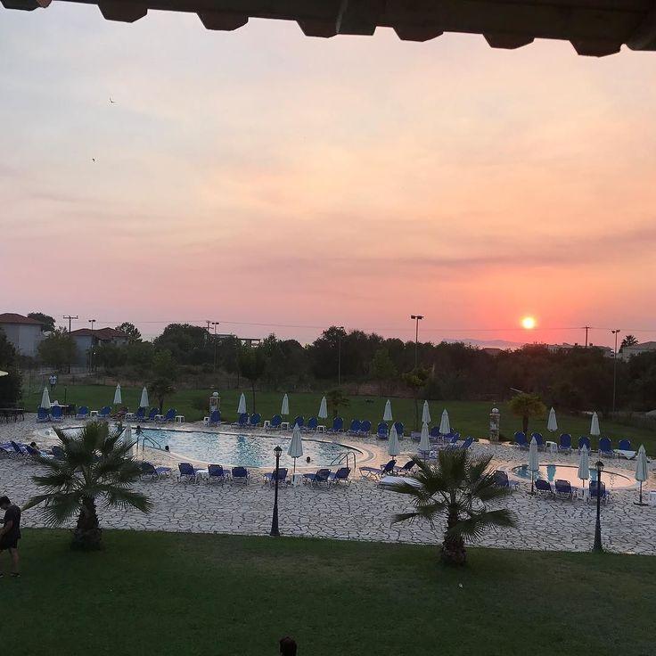 #sunset #perdikaresorthotel επειδή κάποιες το ζήτησαν....μια μικρή γεύση....τα υπόλοιπα αύριο!