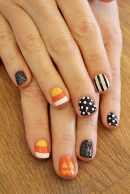 Cute Halloween Gel Manicure. ManiMondays: Hand Painted Halloween!