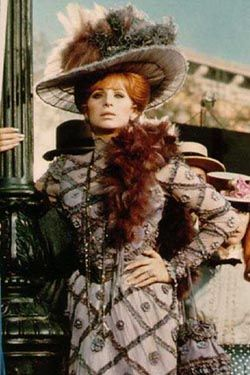 BarbraStreisand in HelloDolly!