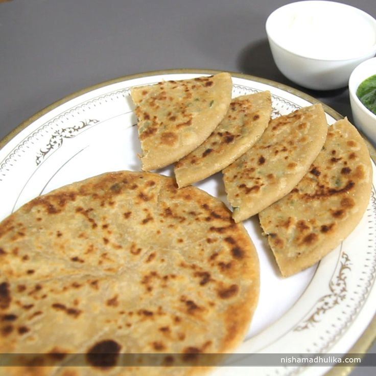 Soya Granules paratha is a tasty and very easy to make breakfast recipe. Soya chunks stuffed paratha can be served to guests and packed in kids lunch box too. Recipe in English- http://indiangoodfood.com/2251-soya-granules-paratha.html ( copy and paste link into browser)  Recipe in Hindi- http://nishamadhulika.com/1170-soya-keema-paratha.html ( copy and paste link into browser)