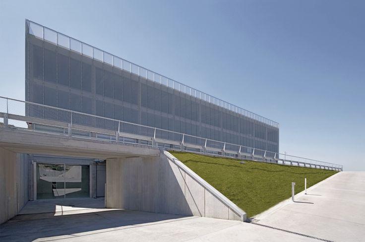 Galería de Campus Motor / Pere Puig Arquitecte - 1