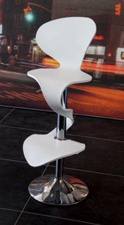 Chaise Lilly Mermaid - La chaise bar Lilly Mermaid, design Arielle D est réalisée en Kerox et piètement inox. Le piston pneumatique avec amortisseur permet une position Bar ou chaise bureau avec une amplitude d'assise de 54cm à 80cm. Elle est déclinable en 9 coloris et a reçu le label Observeur du Design.