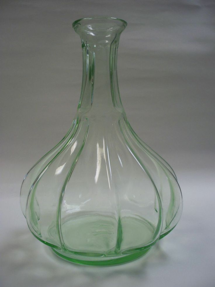 Rare Tiara By Indiana Glass Chantilly Green Lotus And Lily Tall Vase Amazing Pictures