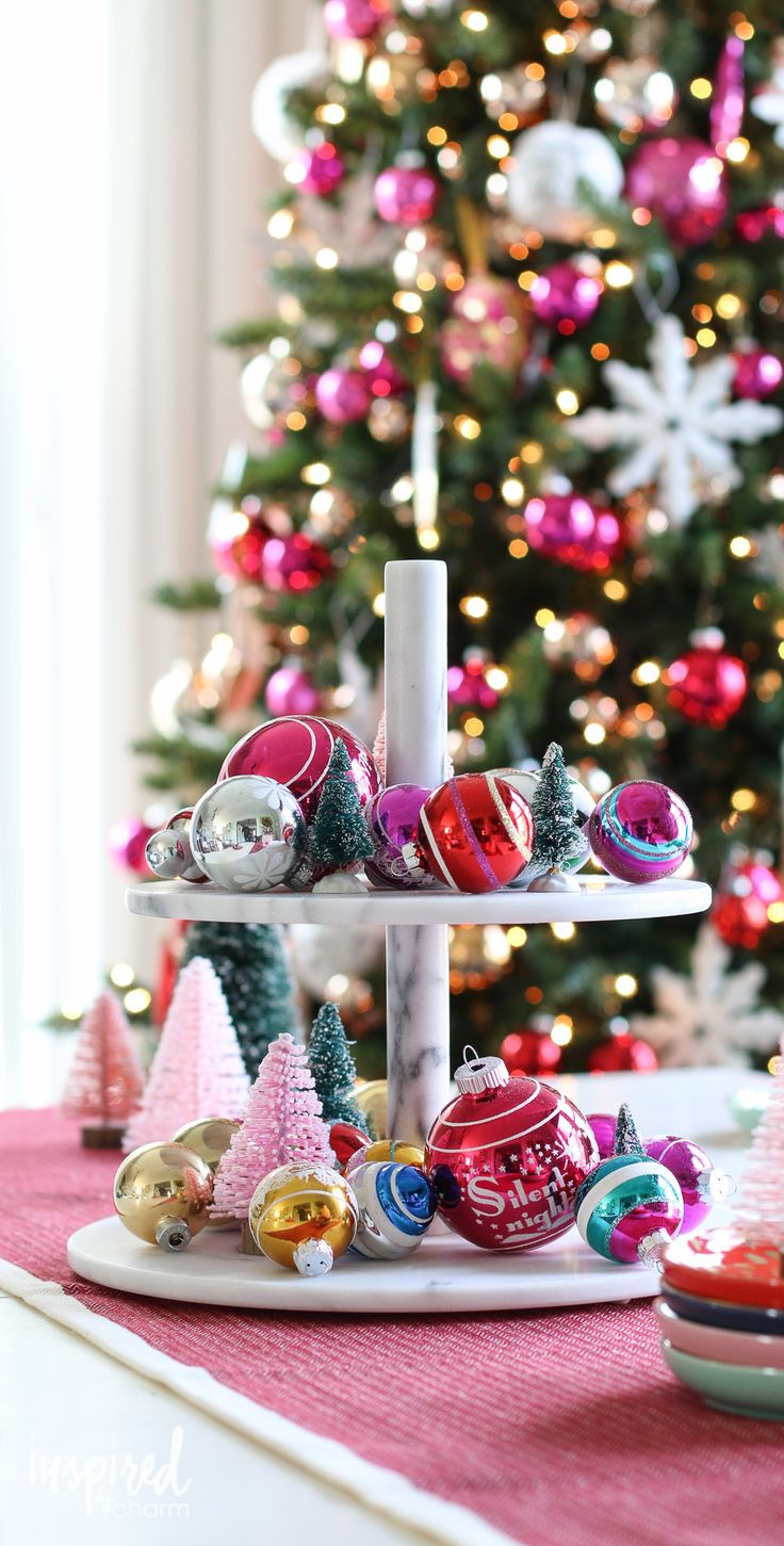 How to make christmas centerpieces with ice - 25 Best Ideas About Holiday Centerpieces On Pinterest Christmas Centerpieces Apartment Christmas Decorations And Xmas Decorations